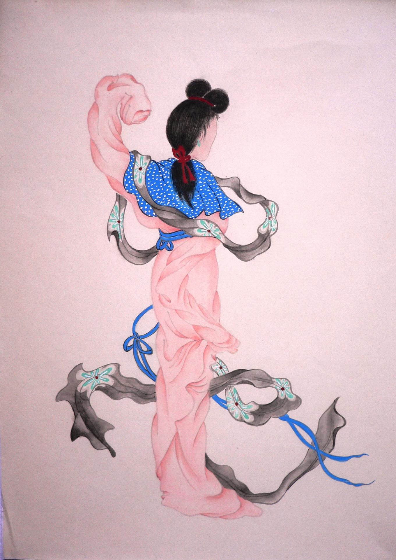 Femme dansant de dos
